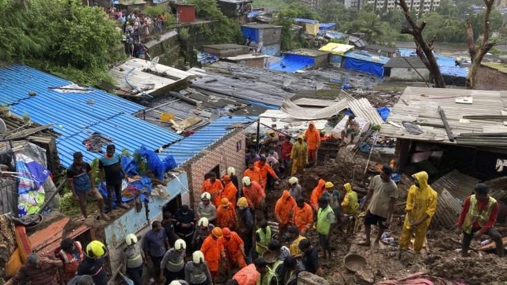 V Indii zabíjali zosuvy pôdy, vyžiadali si desiatky obetí