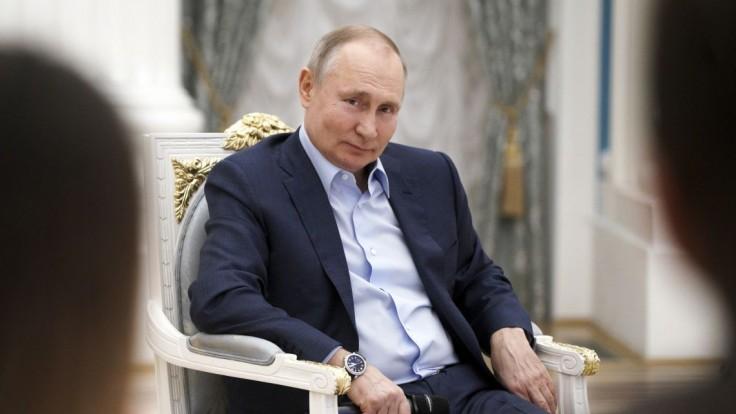 Putinovho súpera v prezidentských voľbách vyškrtli z kandidátnej listiny