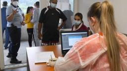 PCR testy odhalili takmer 50 nových prípadov, zaočkovali ďalšie stovky ľudí
