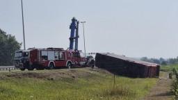Príčinou smrteľnej nehody autobusu bol mikrospánok, vodiča zadržali