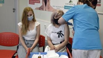 Ľudí, ktorí odmietajú vakcínu, pribudlo. Väčšina Slovákov nechce ani povinné očkovanie