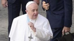 Pápež nás navštívi už čoskoro, epidemiológovia však dvíhajú varovný prst