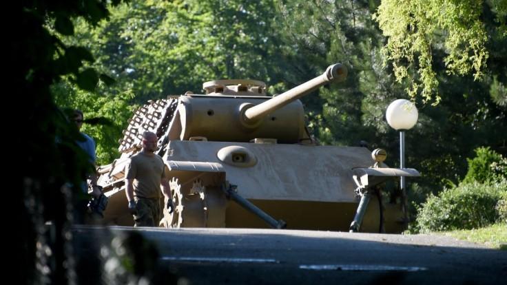 Dôchodca skladoval v pivnici tank, delo aj torpédo. Skončil na súde