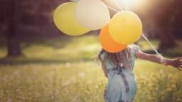 Ak chcete byť šťastní, nemali by ste si pre radosť kupovať hmotné veci, ukázal prieskum