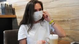 Český najvyšší súd zrušil povinnosť nosiť respirátory v interiéroch