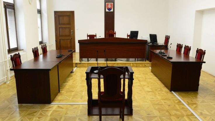 V prípade starostu Malých Levár, ktorý sa mal vyhrážať, bude opäť rozhodovať krajský súd