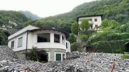 Talianske úrady evakuovali desiatky ľudí, krajinu zasiahli zosuvy pôdy