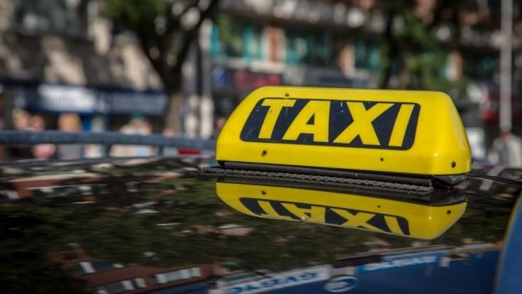 Nespokojný zákazník napadol taxikára. Nesúhlasil s cenou za odvoz