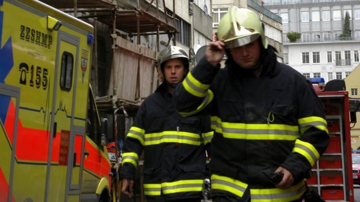 Lietadlo sa zrútilo na rodinný dom, o život prišli štyria ľudia