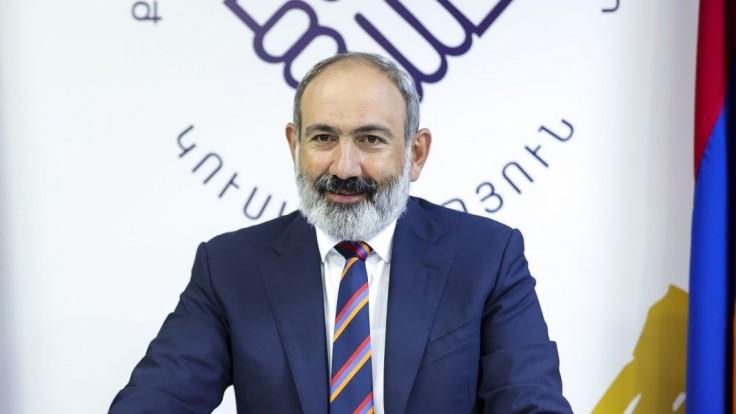 Arménsko a Azerbajdžan súhlasili s prímerím, ktoré sprostredkovalo Rusko