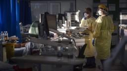Covid-19 sa stáva pandémiou nezaočkovaných, uvádza Inštitút pre stratégie a analýzy