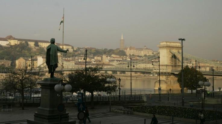 V Budapešti zneškodnili poltonovú bombu z druhej svetovej vojny. Evakuovali takmer 8600 ľudí