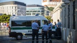 Protestujúci sa opäť zišli v centre Bratislavy, polícia je pripravená zasiahnuť