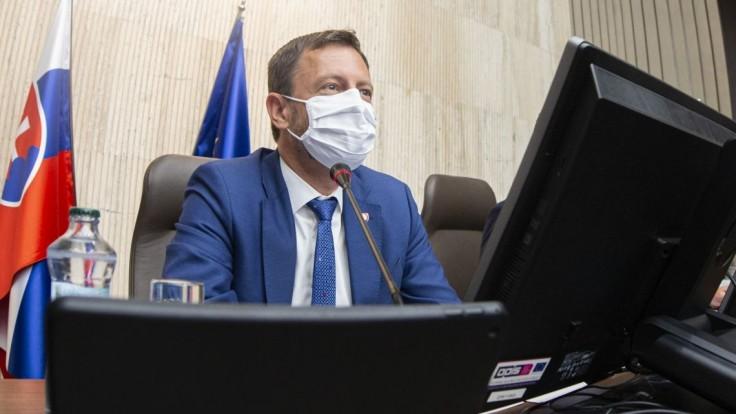 Premiér navštívil nemocnicu v Bojniciach: O sile tretej vlny rozhodne zaočkovanosť