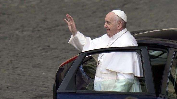 Pri registrácii na stretnutie s pápežom budú preverovať, či sú ľudia naozaj zaočkovaní