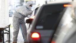 Nezaočkovaní prichádzajúci zo zahraničia sa budú musieť otestovať, vyhlásil nemecký minister