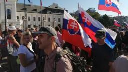 Polícia vyzýva ľudí, aby poslali videá z protestu v Bratislave