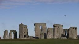 Vrchný súd zrušil výstavbu tunelu neďaleko Stonehenge. Schválila ju vláda