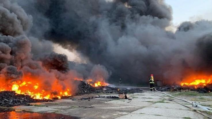 Požiar v chemičke na juhu Ruska si vyžiadal jednu obeť. Stav šiestich ľudí je kritický