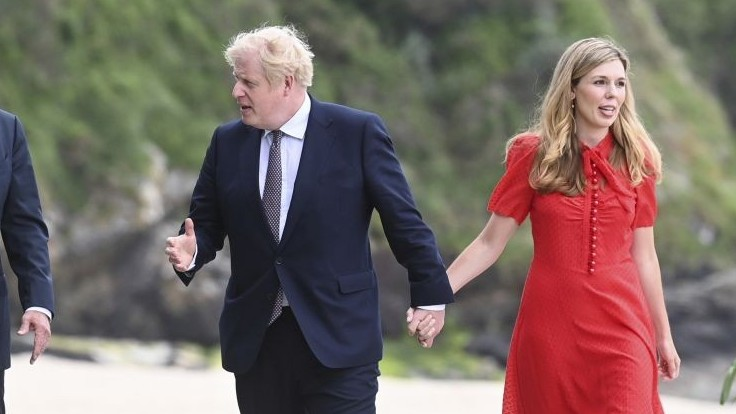 Radosť v rodine premiéra Johnsona. Jeho manželka Carrie je tehotná