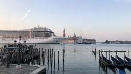 Veľké výletné lode už do Benátok nevstúpia, aktivisti hovoria o víťazstve