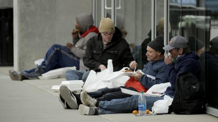 Milióny Američanov sa môžu stať bezdomovcami, moratórium na vysťahovanie nepredĺžili