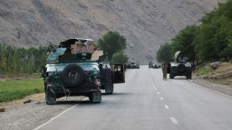 Taliban pokračuje vo svojej ofenzíve. Rakety zasiahli letisko v Kandaháre