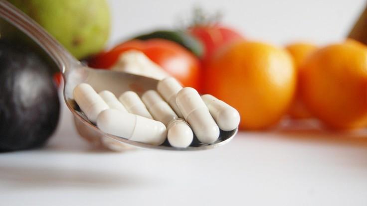 Aj vitamínom C sa môžete predávkovať: Negatívne účinky pocítia črevá, obličky aj srdce