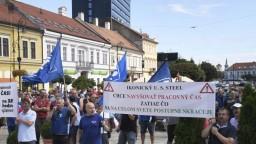 Stovky zamestnancov US Steel pochodovali centrom Košíc