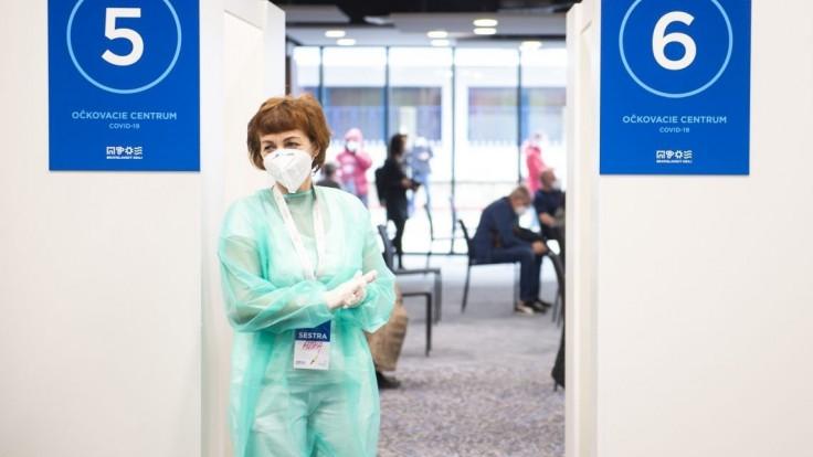 Na štadióne v Bratislave sa bude očkovať poslednýkrát. Môžete prísť aj bez pozvánky