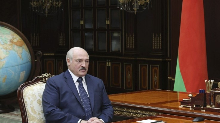 Bieloruský novinár urazil Lukašenka v čete. Odsúdili ho