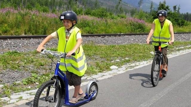 Úrazy detí sú cez prázdniny časté. Na čo dať v lete podľa odborníka najviac pozor?