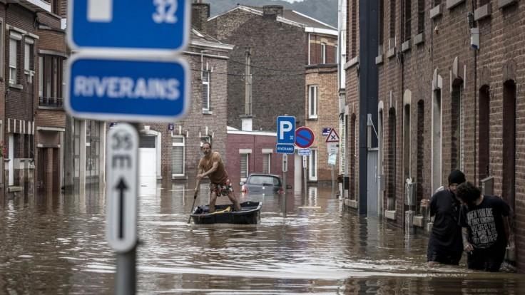 Poisťovne odmietli preplácať škody obetiam ničivých záplav