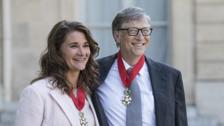 Bill a Melinda Gatesovci sú po 27 rokoch oficiálne rozvedení