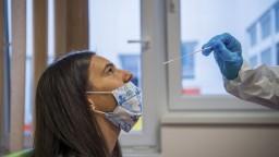 V Maďarsku sa budú môcť zdarma otestovať len tí, čo sa nemôžu zaočkovať