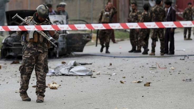 Prominentnou štvrťou Kábulu otriasol výbuch, bolo počuť aj streľbu