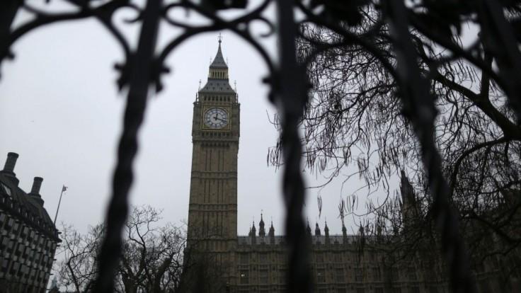 Muž, ktorý nechal tajné spisy na zastávke, mal byť britským vyslancom pri NATO