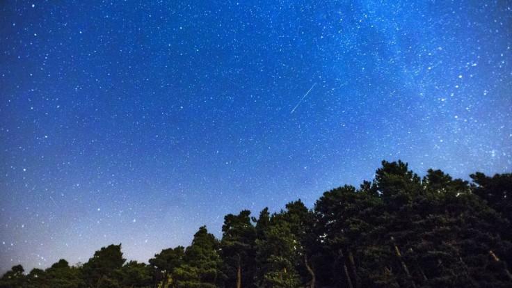 Chcete vidieť padať hviezdy?  Podmienky budú priaznivé, roj Perzeíd dosiahne čoskoro vrchol