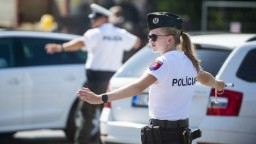 Polícia za uplynulý týždeň uložila desiatky pokút za nedodržiavanie protipandemických opatrení