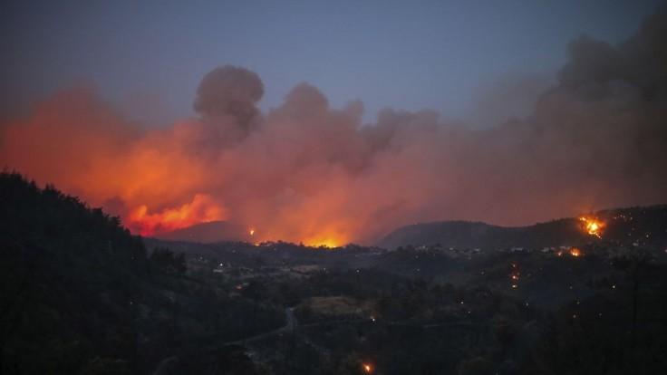 Požiar dorazil pred brány tureckej elektrárne, museli ju evakuovať. Hrozí, že zhorí