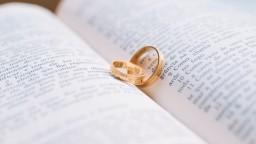 Prvé milovanie má vplyv na kvalitu a dĺžku manželstva. Kedy sa zvyšuje riziko rozvodu?
