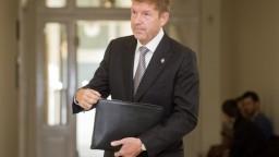 Miroslavovi Výbohovi prerušili výkon funkcie honorárneho konzula