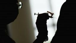 TA3 z Francúzska: Ústavná rada schválila zákon, ktorý zdravotníkom nariaďuje povinné očkovanie