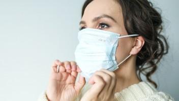 Nemaskujte zápach z úst pod rúškom: Dôvody môžu byť vážne, riešte ich