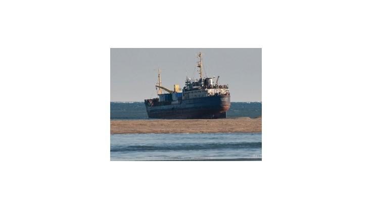 Rusi pátrajú po lodi so 700 tonami zlatej rudy