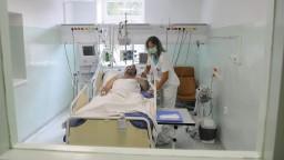 Nedostatok sestier ohrozuje bezpečnosť a životy pacientov. Na vine sú aj nízke mzdy