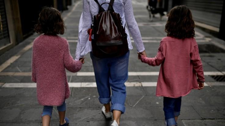 Čo môžu dospelí robiť, aby ochránili deti pred covidom? Expert na infekcie má jednoduchú odpoveď