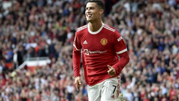 Ronaldov zápas za Manchester United sa nezaobišiel bez problémov. Feministky mu pripomenuli sexuálny škandál