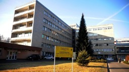 Nemocnice sa pripravujú na tretiu vlnu pandémie, oddelenia dopĺňajú špeciálnym vybavením