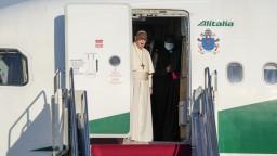 Pápeža na letisku privíta aj Patakyová či Mikloško. Symbolizujú spoločné hodnoty
